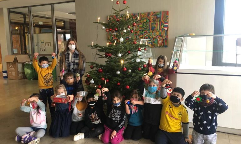 WG: Wir schmücken den  Christbaum