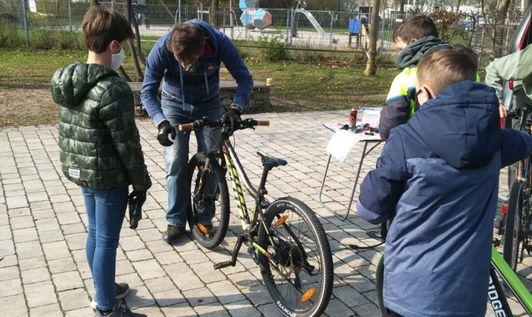 Mit sicherem Rad zur Schule